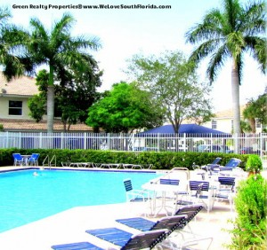 Pelican Pointe Townhome in Pembroke Pines - Listed by Green Realty Properties