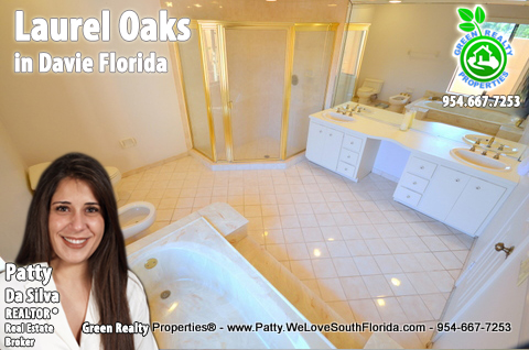 luxury Florida Real Estate | Laurel Oaks Realtor