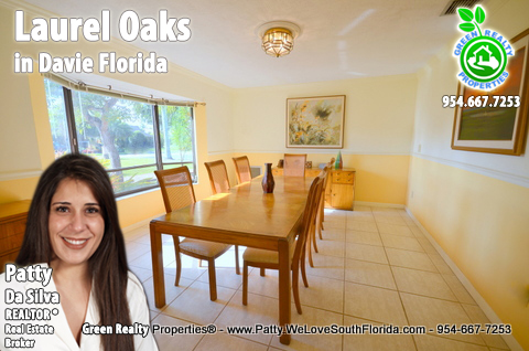 Laurel Oaks Luxury Davie FL Homes