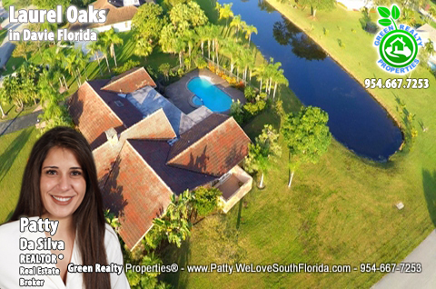 Laurel Oaks Luxury Lakefront and pool Homes in Davie Florida