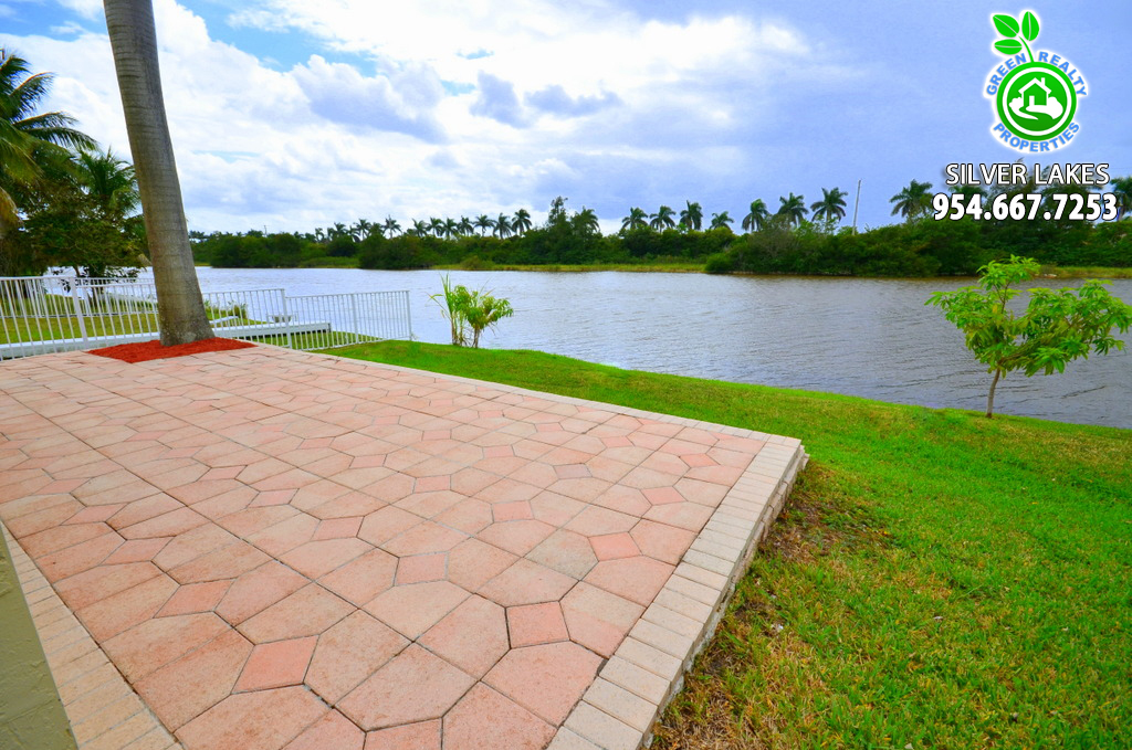 Silver Lakes Listing Broker - Patty Da Silva of Green Realty Properties - 954-667-7253