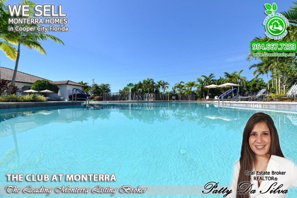 Monterra Community Pool