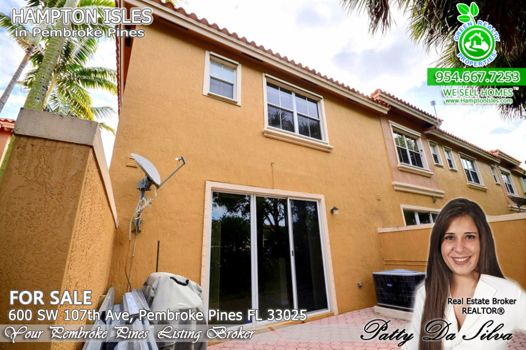 Townhome For Sale - Hampton Isles