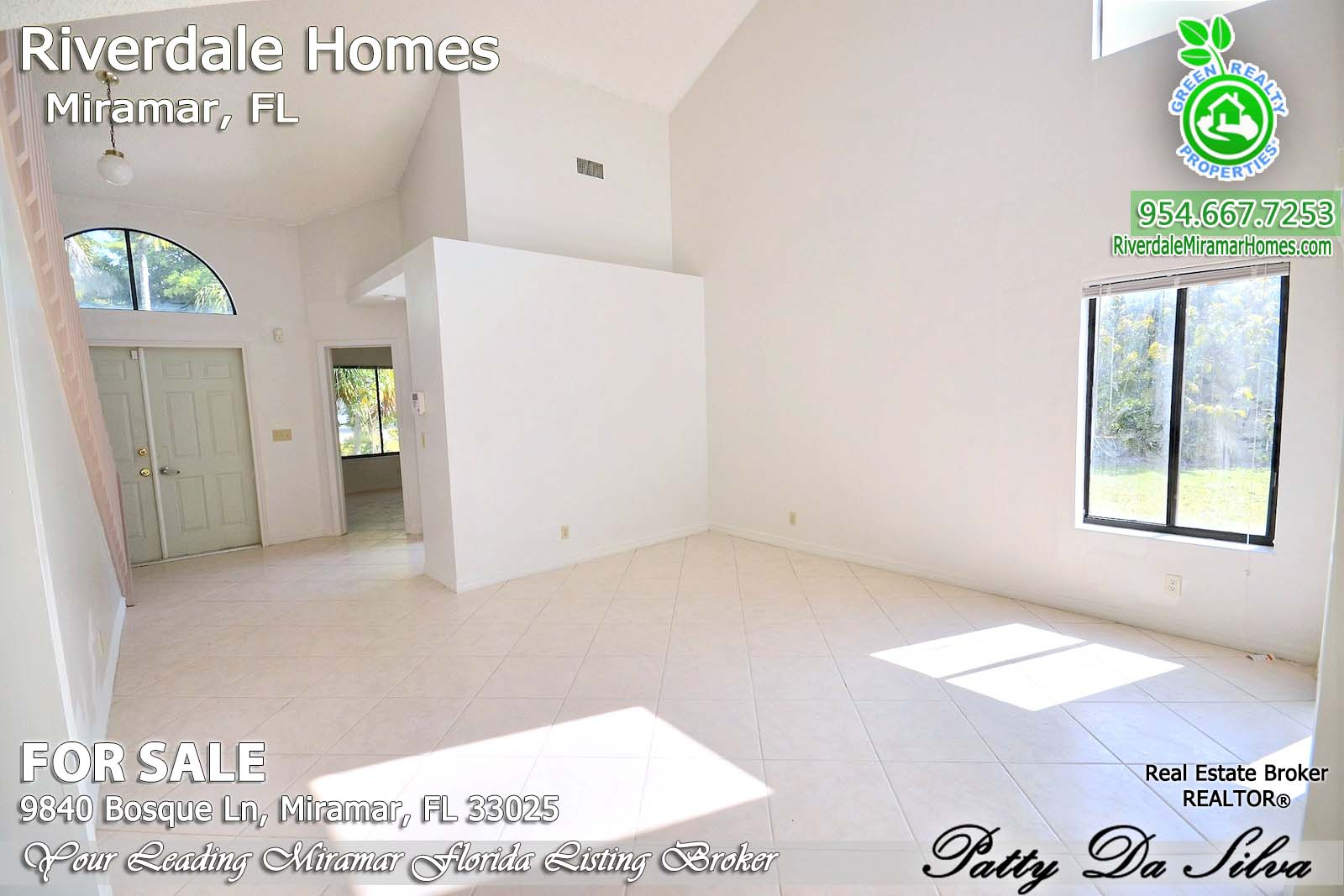 Riverdale Homes For Sale in Miramar Florida - 9840 Bosque Lane (14)