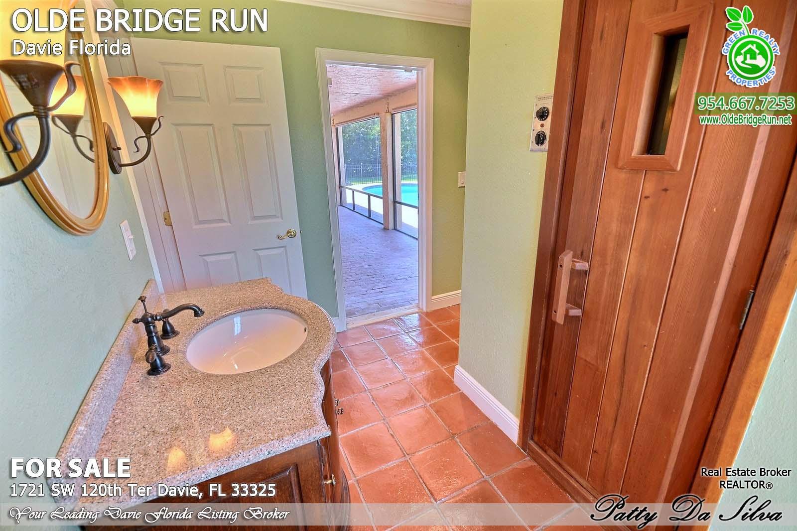 Olde Bridge Run Homes in Davie FL (13)