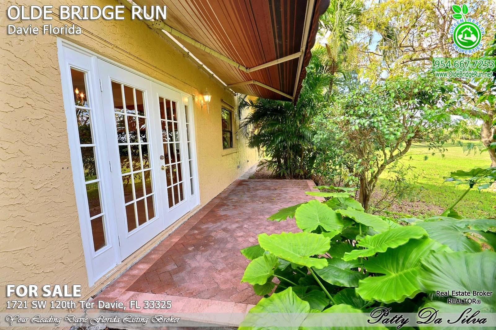 Olde Bridge Run Homes in Davie FL (22)