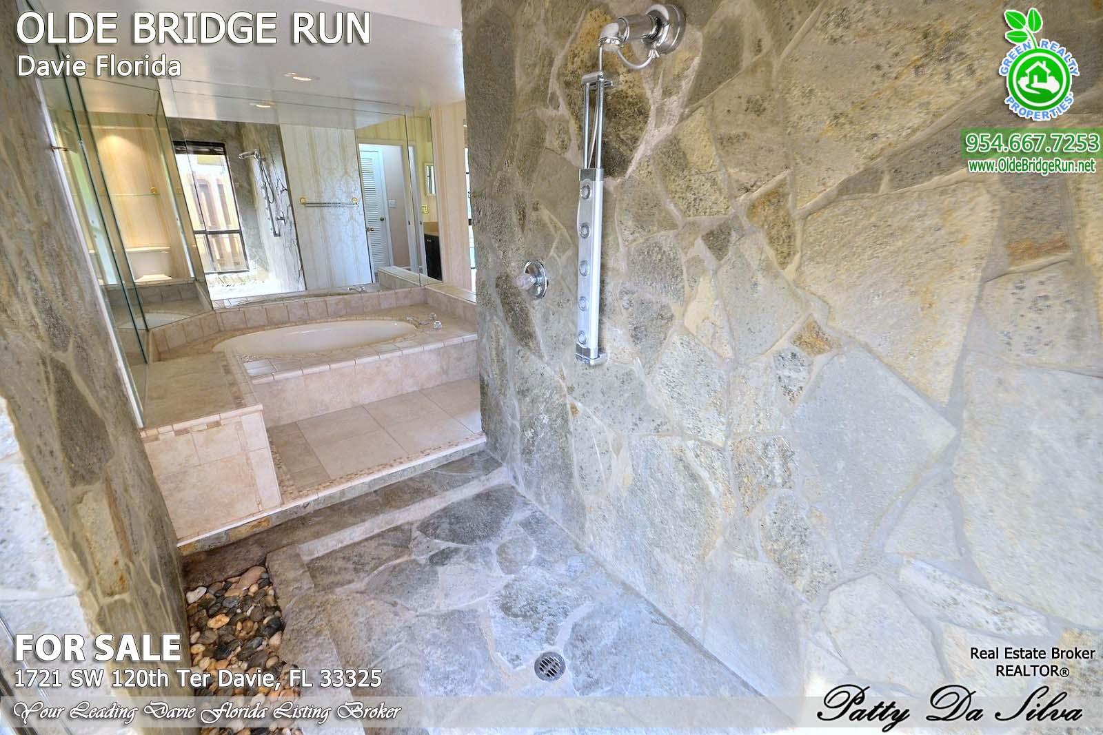 Olde Bridge Run Homes in Davie FL (29)