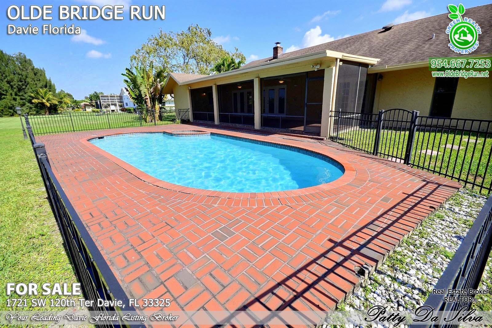 Olde Bridge Run Homes in Davie FL (9)