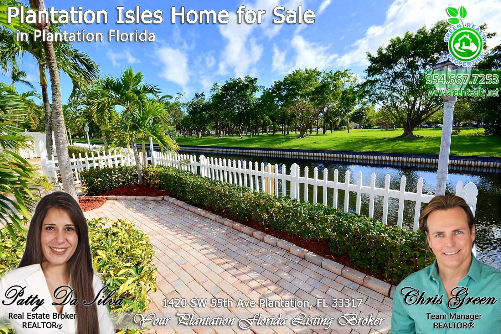 25 plantation waterfront homes