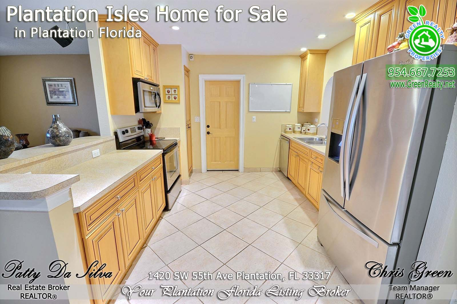 6 Plantation FL Homes For Sale stainless steel appliances kitchen